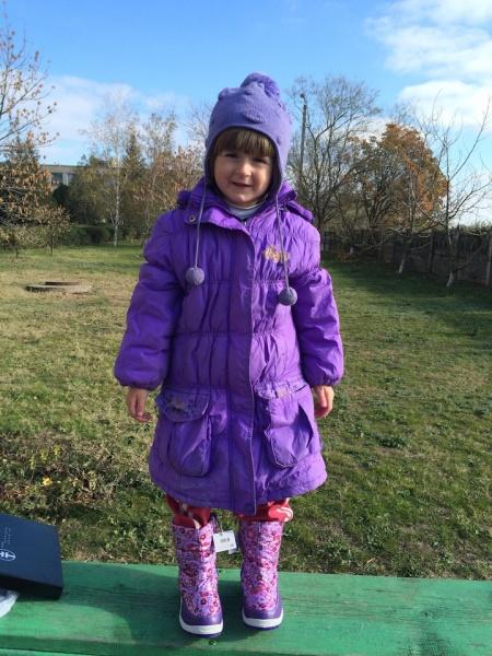 Оксана навіть отримала чоботи і пальто одного кольору - її дуже потішило, що так сталося
